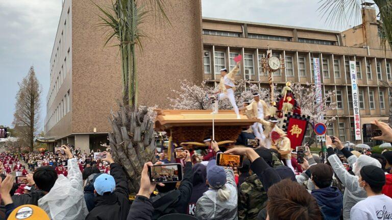 ノーマスク・密で開催された岸和田だんじり祭り