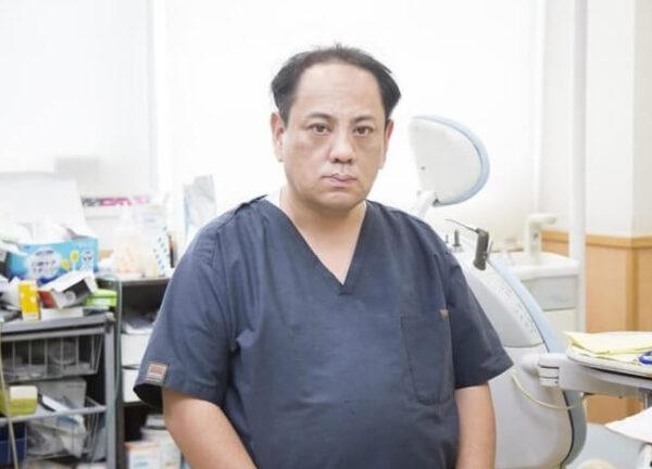改造したモデルガンを所持していた歯科医師の己斐守容疑者